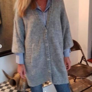 Cotton Candy Pearly cardigan grey